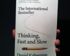 Thinking fast and slow – Daniel Kahnemann – Buch