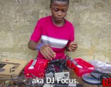 Geiler Typ: ein afrikanischer Autodidakt beeindruckt das MIT